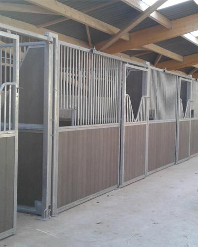 Boxes pour chevaux 79