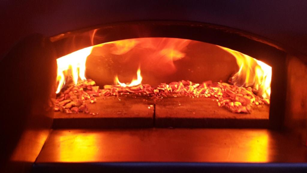 four à bois sur mesure pizza