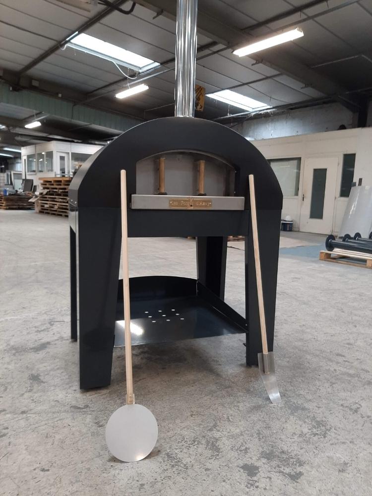 Mobilier sur-mesure Four à bois design sur-mesure 79